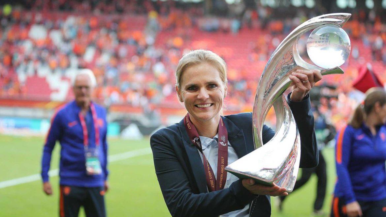 Sarina Weignam la mejor entrenadora